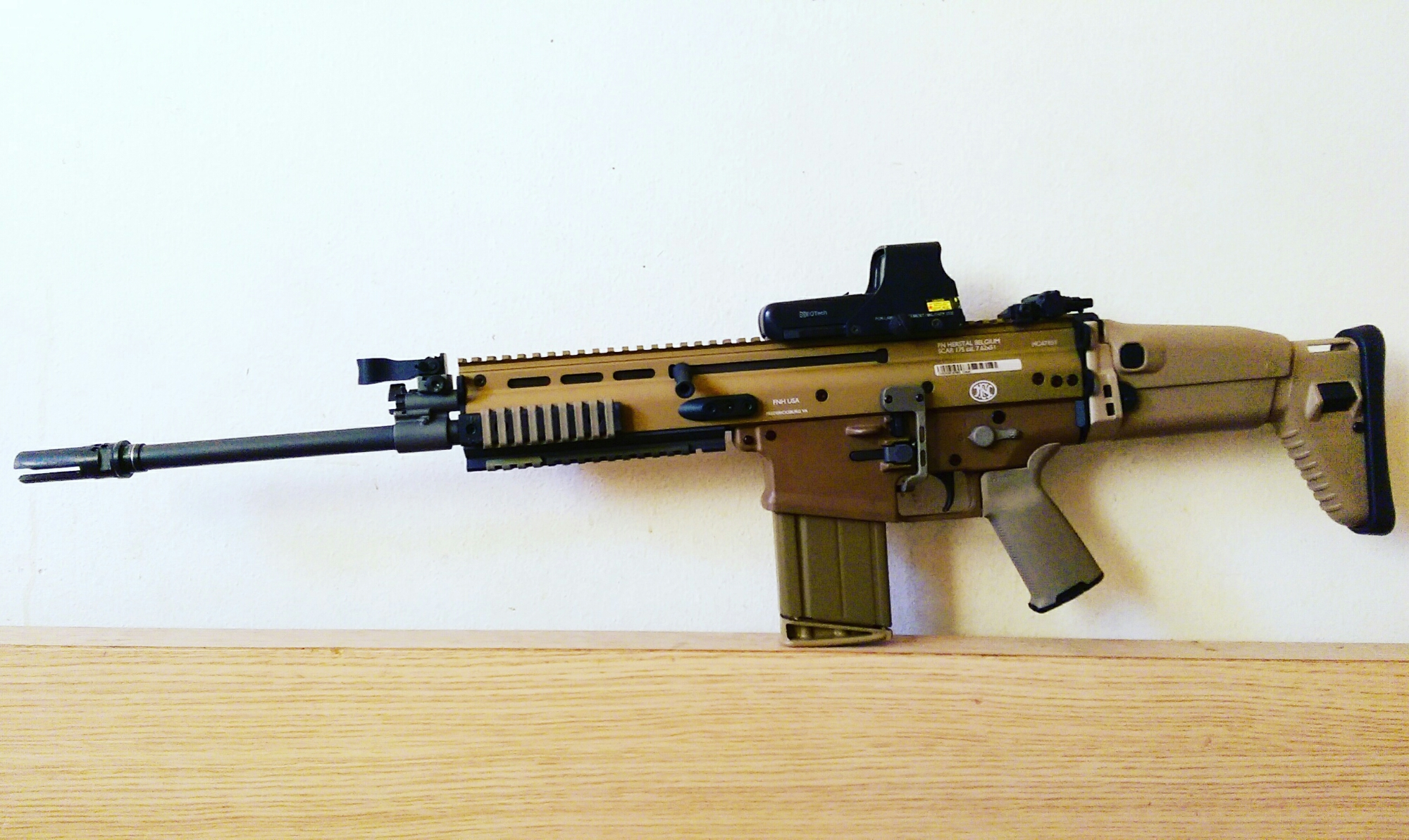 FNH SCAR 17s FDE – Fifty Shades of FDE
